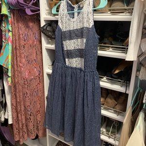 Dresses & Skirts - Boutique dress never worn